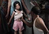 Xem camera điện thoại phát hiện cụ ông đang dâm ô con gái 7 tuổi