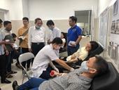 Hàng trăm người hiến máu cứu nạn nhân vụ lật xe ở Quảng Bình