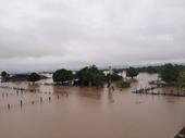 Đắk Lắk Hàng chục căn nhà bị chìm trong nước, giao thông bị chia cắt do mưa lớn