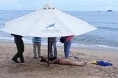 Phát hiện thi thể phụ nữ mặc đồ bơi trôi nổi trên bãi tắm