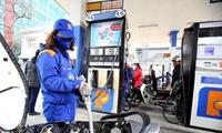 Xăng E5RON92 giữ nguyên giá, các mặt hàng xăng dầu khác giảm nhẹ