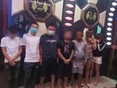 Hai cô gái thác loạn cùng 6 thanh niên trong quán karaoke Ánh Trăng6