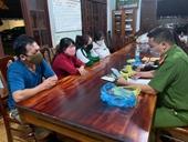 Bắt quả tang nhiều phụ nữ đang say sưa đánh bạc giữa đại dịch