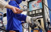 """Phát hiện bất ngờ về nghề làm thêm """"hái ra tiền"""" của 1 nhân viên xăng dầu"""