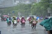 Bắc Bộ và Nam Bộ mưa lớn, Trung Bộ vẫn nắng nóng