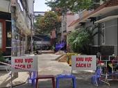 Phong tỏa 17 nhà dân ở TP HCM vì có người tái nhiễm COVID-19