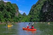 Tràng An mở dịch vụ chèo thuyền kayak