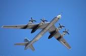 """""""Gấu bay"""" Tu-95, đối thủ của pháo đài bay B-52 sau nâng cấp mạnh cỡ nào"""