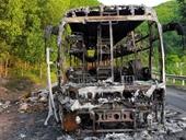 Xe giường nằm chở 40 hành khách cháy rụi lúc nửa đêm
