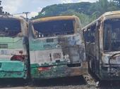 12 ô tô bị thiêu rụi trong đám cháy bí ẩn tại bãi xe vùng ven TP Hồ Chí Minh