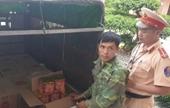 Bắt quả tang đối tượng vận chuyển 168 kg pháo nổ của Trung Quốc