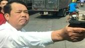 Phê chuẩn bắt khẩn cấp Giám đốc công ty bảo vệ dùng súng đe dọa giết người