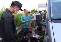 Tạm giữ 2 đối tượng lái xe ô tô 16 tông khiến một cảnh sát cơ động hy sinh