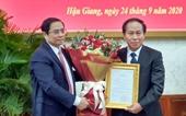 Trao quyết định chuẩn y ông Lê Tiến Châu giữ chức Bí thư Tỉnh ủy Hậu Giang