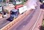 """CLIP Hãi hùng cảnh tượng xe tải """"cày"""" nát giải phân cách khiến nhiều người bị thương"""