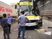 Xe khách tông xe tải ngay dốc Thiên Thu, tài xế tử nạn, nhiều người bị thương
