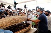 Tiết lộ sửng sốt sau khi hàng chục quan tài Ai Cập cổ đại 2 500 tuổi được mở nắp