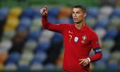 Ronaldo bị chặn chuỗi ghi bàn