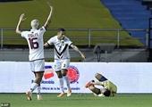Cầu thủ Colombia gãy chân kinh hoàng ở vòng loại World Cup 2022