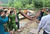 Vụ sạt lở tại thủy điện Rào Trăng 3 Cứu được 19 người và đưa thi thể một công nhân ra ngoài