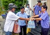 VKSND tỉnh Thừa Thiên Huế tặng quà bà con vùng lũ