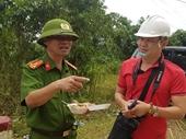Phóng viên Báo BVPL đưa tin trực tiếp tại hiện trường vụ sạt lở vùi lấp 22 CBCS quân đội