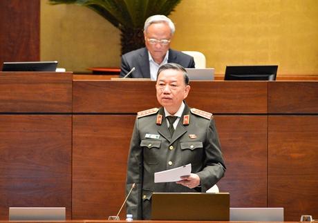 Bộ trưởng Bộ Công an giải trình trước Quốc hội về Dự thảo Luật Cư trú sửa đổi
