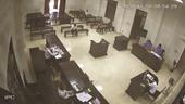 """Đấu tranh tại phiên tòa trong vụ án bị cáo sử dụng """"quyền im lặng"""""""