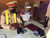 Phát hiện ô tô chở nhiều người nước ngoài nhập cảnh trái phép vào Việt Nam