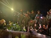 Quân đội trắng đêm mở đường vào nơi sạt lở khiến 53 người mất tích tại Quảng Nam