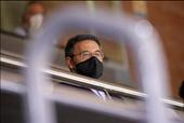 """Chủ tịch Barcelona buộc phải từ chức """"Cái chết"""" được báo trước"""