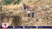 Đưa lương thực tiếp tế vùng cô lập Phước Sơn, Quảng Nam
