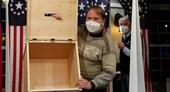 Đương kim Tổng thống Mỹ Donald Trump nhận những phiếu bầu đầu tiên