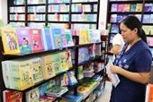 Bộ trưởng GD-ĐT Xử lý nghiêm nhà trường ép học sinh mua sách tham khảo