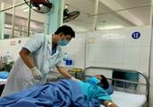 Gắp thành công 2 con sán lá gan lớn trong ống mật chủ nữ bệnh nhân