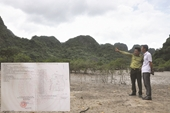 """""""Vô tư"""" cấp sổ đỏ cho nhiều hộ dân vào Vườn quốc gia Bái Tử Long"""