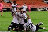 Valencia 4-1 Real Madrid Cú hattrick phạt đền của Soler
