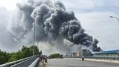 Cháy lớn công ty thực phẩm trong khu công nghiệp Hiệp Phước