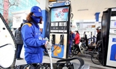 Xăng dầu giảm giá từ 15h chiều nay
