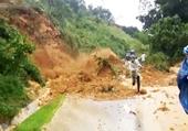 Clip vụ sạt lở núi kinh hoàng tại Quảng Nam, vùi lấp một người