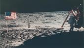 NASA bán 2 400 bức ảnh đặc biệt hiếm hoi về lịch sử chinh phục vũ trụ