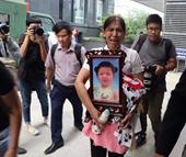 Mở lại phiên xét xử cha dượng và mẹ ruột bạo hành con gái 3 tuổi đến chết