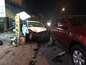 Tài xế tô 7 chỗ say xỉn gây náo loạn đường phố, tông nhiều người bị thương