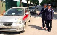 Phê chuẩn khởi tố 3 bị can xịt sơn lên 10 xe ô tô để bắt  gửi xe