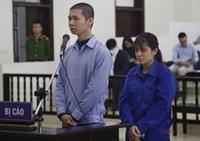 Xét xử vụ mẹ ruột và bố dượng bạo hành bé gái 3 tuổi tử vong  Rùng mình nghe lời khai