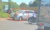 Bất chấp hiệu lệnh  tài xế xe ô tô đâm thẳng vào tổ tuần tra CSGT