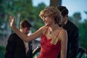 Trang phục cảm hứng từ Công nương Diana được săn lùng