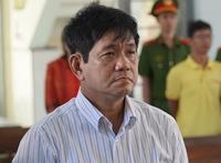 Đình chỉ chức vụ Phó Giám đốc BVĐK Bình Thuận