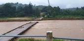 Mưa lớn gây sạt lở nghiêm trọng tại Nam Trung bộ, nhiều tuyến đường ách tắc