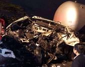 Tông vào xe tải đang dừng đèn đỏ, tài xế xe đầu kéo tử vong trong cabin